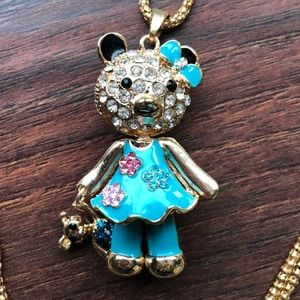 BETSEY JOHNSON GIRL W/BEAR NECKLACE